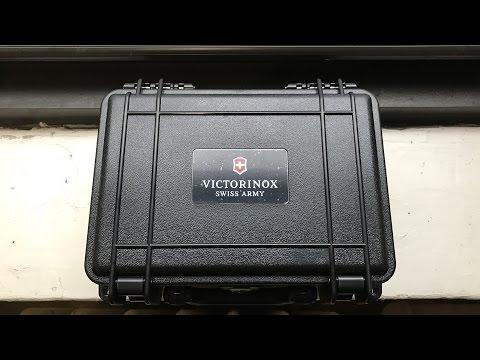 Unboxing... Victorinox I.N.O.X. Carbon Boxset - Clock Stock & Barrel