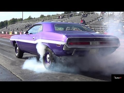 1970 Challenger R/T vs. 1967 Plymouth GTX