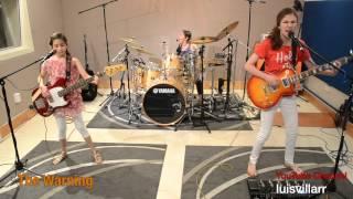 Trzy dziewczynki wykonują cover – Enter Sandman – Metallica :D