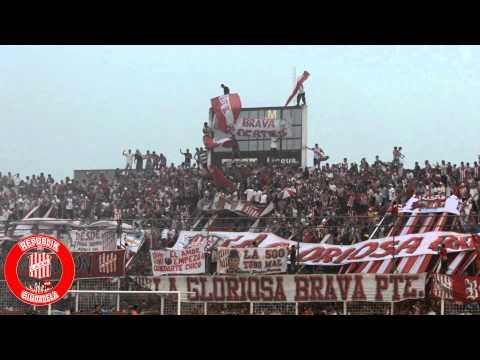 Hinchada de SAN MARTIN DE TUCUMAN vs Deportivo Roca / 20-09-15 / RPKDC - La Banda del Camion - San Martín de Tucumán