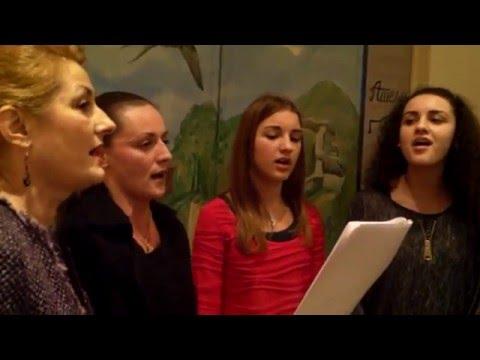 ''Ima majka tri devojke'' u izvođenju grupe ''UNA'' iz Barajeva