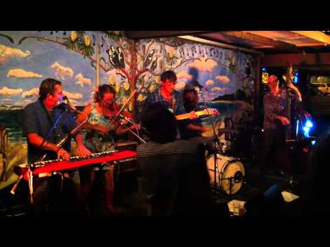 Warren Earl Band at The Rails in Byron Bay