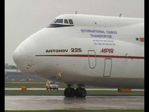 planes - http://www.youtube.com/watch?v=8VzgbjtTDww The Antonov An-225 Mriya,(THE WORLDS BIGGEST PLANE) (NATO reporting name: Cossack) is a strategic airlift transpor...