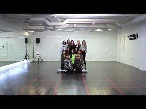 이달의 소녀 (LOONA) - Butterfly Dance Practice (Mirrored) - Thời lượng: 3 phút, 58 giây.