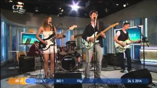 Video So far away - live on Czech TV