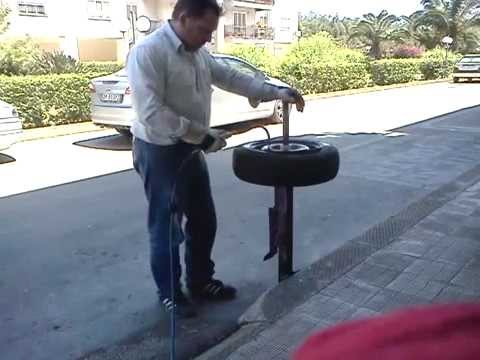 SMONTA GOMME MANUALE AUTO MOTO - TIRE CHANGER HOME MADE