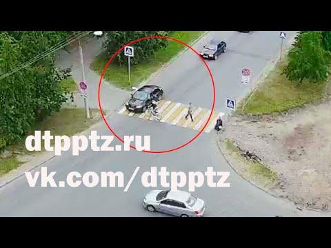 Житель Петрозаводска врезался на велосипеде в автомобиль