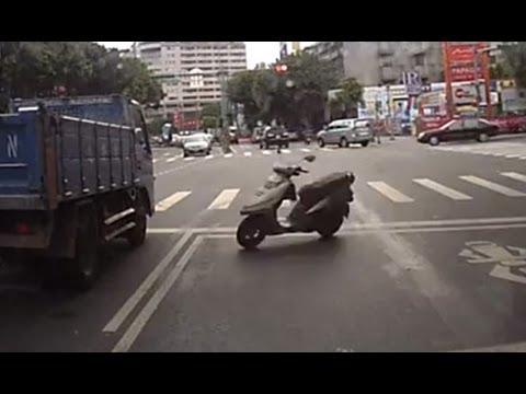Recopilación de Fails de motos Scooters