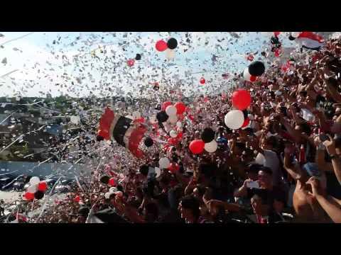 IMPRESIONANTE RECIBIMIENTO!!! - La Famosa Banda de San Martin - Chacarita Juniors