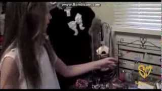 Chloe Lukasiak and Maddie Ziegler's Room Tours