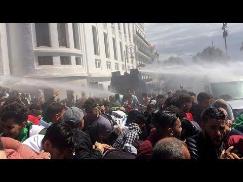 Μεταβατικός πρόεδρος εν μέσω διαδηλώσεων στην Αλγερία …