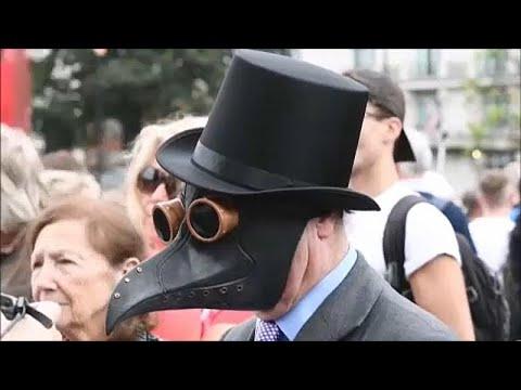 Λονδίνο: Διαδήλωση κατά της χρήσης μασκών