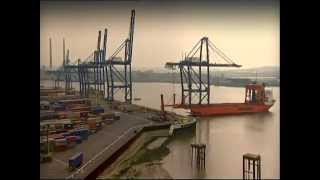 River Thames Cranes Offload Timelapse