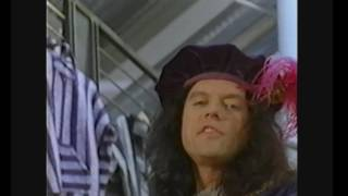 "Video Tommy Wiseau's ""To Be Or Not To Be"" Street Fashions USA commercial MP3, 3GP, MP4, WEBM, AVI, FLV Juni 2018"