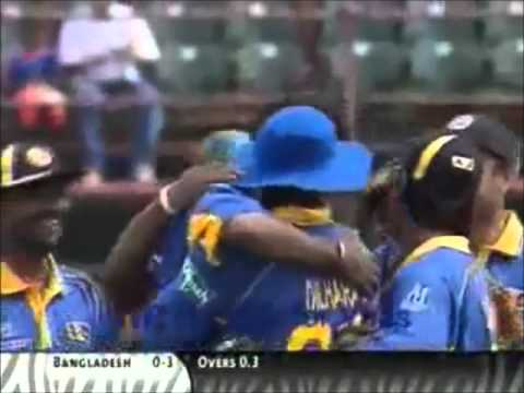 Funny dismissal during Sri Lanka v Australia match, 2006