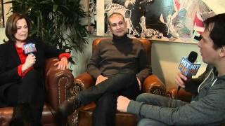 Nonton Sundance 2012 - Sigourney Weaver and Rodrigo Cortés talk