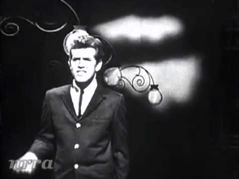 stafford - American Bandstand. March 28, 1964. Nice interview follows the performance.