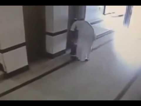 abuso sexual de menores - Un video de un hombre que abusa de una escolar en Arabia Saudita se ha hecho famoso en Internet, ha suscitado indignación y ha originado una protesta pública...