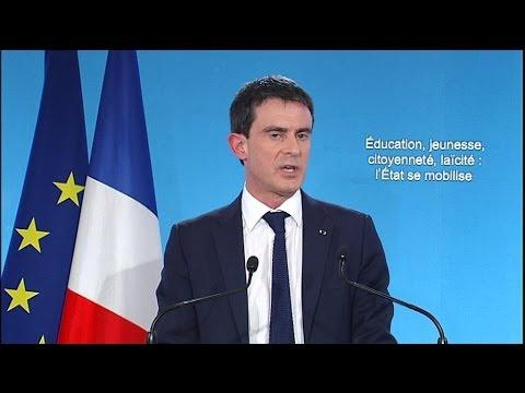 """Valls à Sarkozy: """"il faut être grand, pas petit"""""""