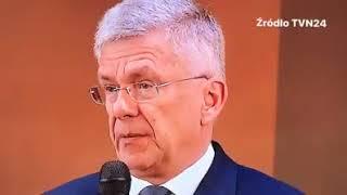 Takiej obrazy protestujących jeszcze nie było. Karczewski wyjaśnił, po co przed Sejmem stoją barierki.