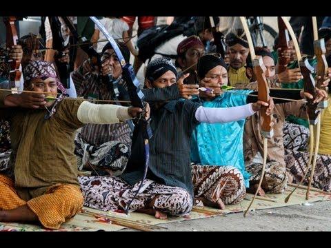 Silat Suffian Bela Diri – Seated Self Defence (Duduk berSila)