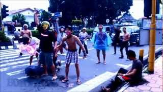 Boyolali Indonesia  city images : harlem shake boyolali - indonesia at traffic light