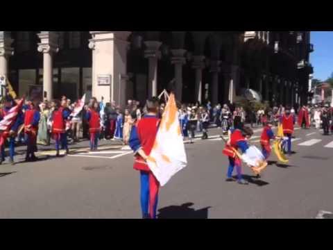Gli sbandieratori per la festa di San Vittore