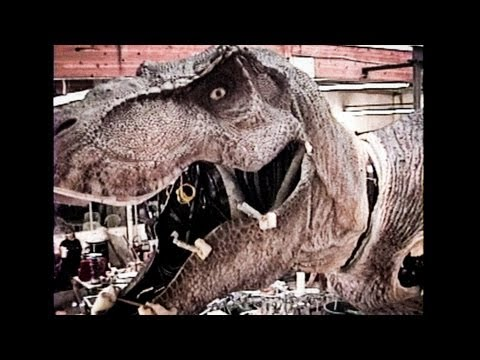 Animatronic - SUBSCRIBE to SWSCA on YouTube: http://bit.ly/Zp70T4 Skinning the Animatronic T-Rex for Jurassic Park (pt. 1) FULL STORY here: http://bit.ly/10iNZ4Y Watch PAR...