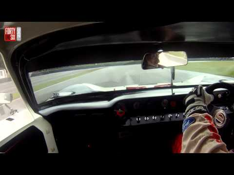 0 Armar och Armbågar: Kenny Bräck Slithers a Ford GT40 around Goodwood [Video]
