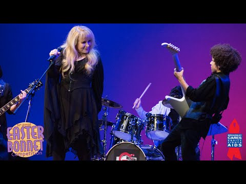WATCH: Stevie Nicks Performs