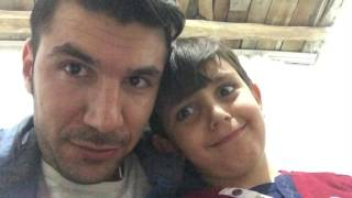Ahmet Eren'le kaşları oynatmaya çalışıyoruz 😊