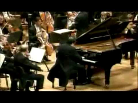 Yefim Bronfman - Rachmaninoff Piano Concerto No. 3 - Part 2/5