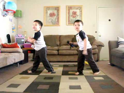 Twins Dancing To Outkast's Hey Ya