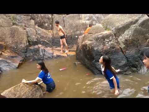 Clip team building suối đá Vũng Tàu ngày 2/4/2017- Trò chơi cướp cờ 360hot.vn