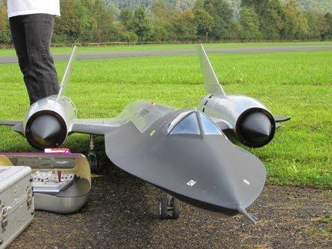 Jet - 05.10.2013 Hausen am Albis/ MG Affoltern a.A Fantastisch das Flugbild dieser SR-71 Blackbird mit einer BehotecTurbine, selber alle Teile am CAD entworfen und...