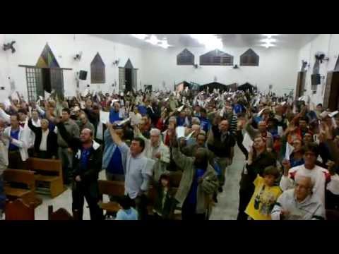 Terço dos Homens Cap Santa Rita Passos MG - Início do Terço 01 de maio de 2012.mp4