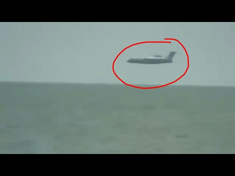 OMG😱 Plane Landing On The Sea