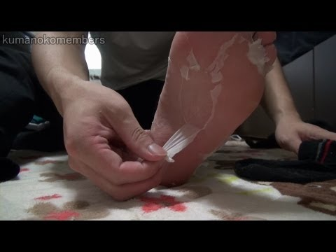 Baby foot - Amazing foot care pack dappy. (peeling skin) The soles of the feet will be soft and smooth. 足裏パックのダッピーをやってみました。 怖いぐらい足の皮がめくれます。...