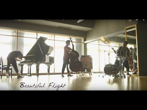 ", title : '""Beautiful Flight"" / performed by H ZETTRIO 【Official MV】'"