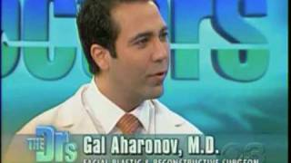 Video Dr. Gal Aharonov, dimple surgery on The Doctors MP3, 3GP, MP4, WEBM, AVI, FLV Juli 2018