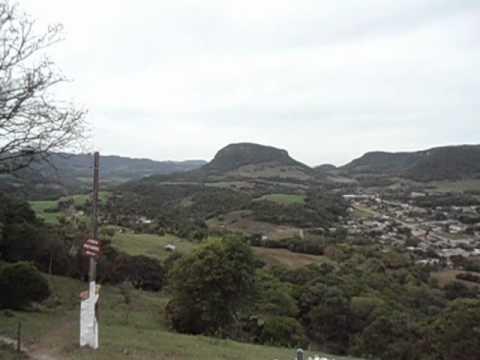 Vídeo gravado na Cruz Luminosa em Ivorá... Com Visão do Monte Grappa e mais alguns morros....