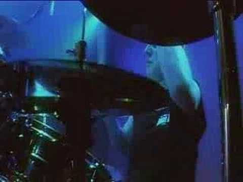 Magnum- Need A Lot Of Love (live 2005) online metal music video by MAGNUM