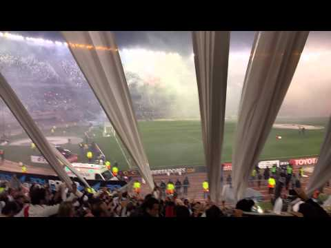 Video - River Campeón de la Libertadores _ recibimiento - Los Borrachos del Tablón - River Plate - Argentina