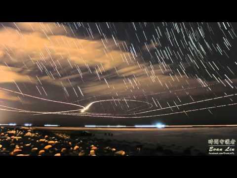 網友透過縮時攝影拍下「桃園機場的飛機起降」,20秒後我就開始感嘆世界上竟然有這麼美的景色了…