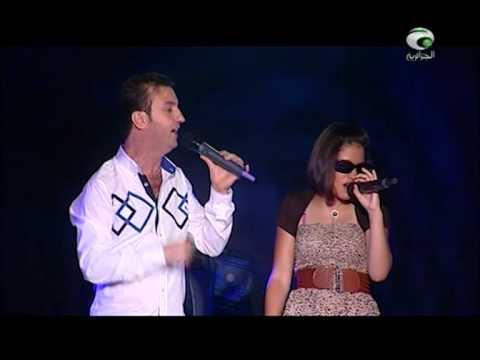 شابه - cheb akil l'humanitaire chante avec une de ses fans avec un grand amour et beaucoup d'émotion au plateau d'eldjazairia live ...un grand artiste dans sa voix ...