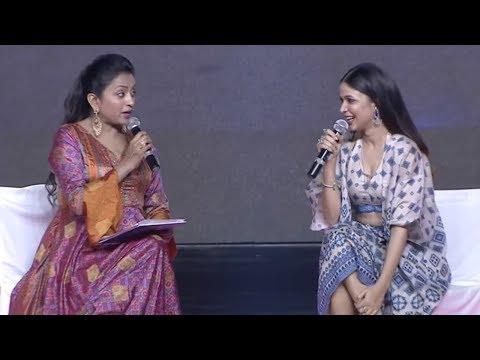 Anchor Suma Hilarious Interview With Lavanya Tripathi @ Arjun Suravaram Pre Relea… видео