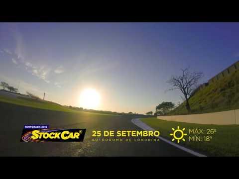 Rubens Barrichello vence corrida 2