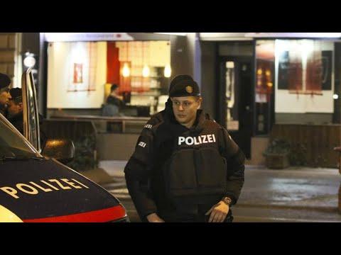 Wien: Vier Schwerverletzte nach Messerattacken