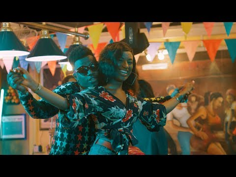 Rayvanny Ft Mayorkun - GimmiDat (Official Music Video)