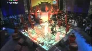 Cap doi hoan hao 2011 - Dam Vinh Hung va Kim Thu (clip 2) - Cap doi hoan hao ngay 04/12/2011